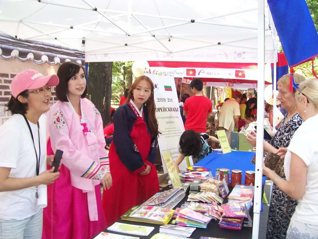 Щандът на Република Корея. Снимка: Къдринка Къдринова