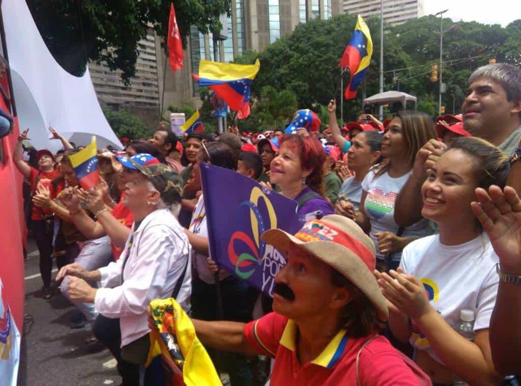 Участници в големия митинг на чавистите в Каракас. Снимка: Resumen Latinoamericano
