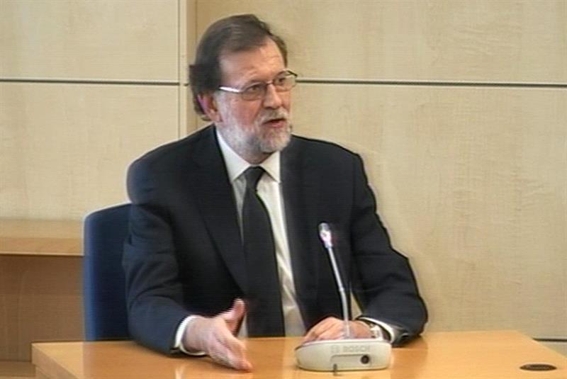 Мариано Рахой по време на показанията в съда. Снимка: Туитър