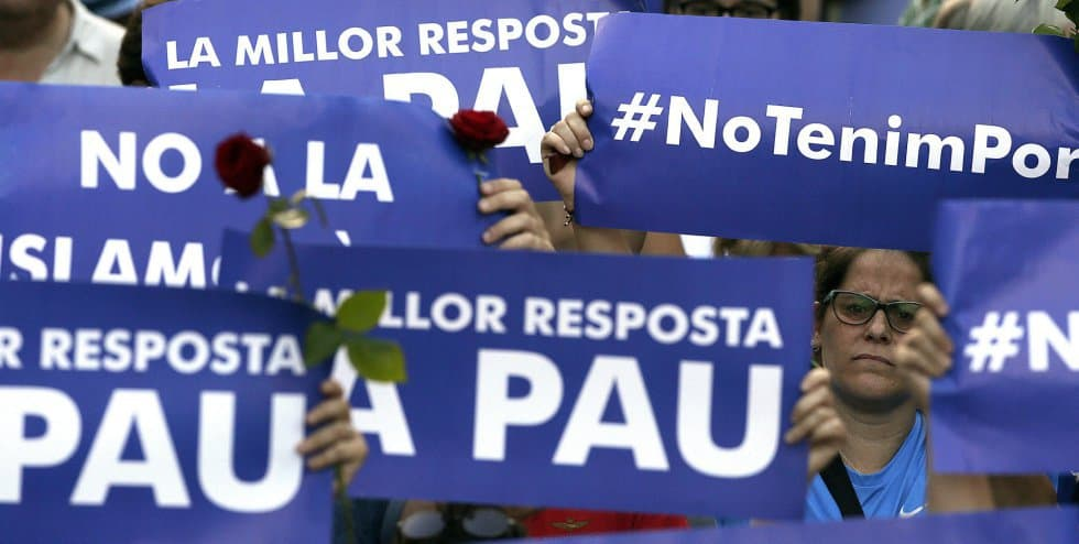 """""""Най-добрият отговор е мирът""""–това бе най-масовият призив на барелонското шествие редом до """"Не ме е страх"""". Снимка: El Pais"""