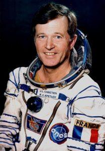 """Французинът Жан-Лу Кретиен лети по """"Интеркосмос"""" през 1982 и 1988 г., а през 1997 г. потретва и с американската совалка """"Атлантис"""""""