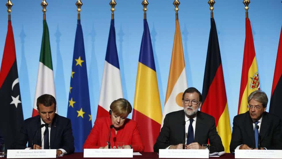 Лидерите на Франция, Германия, Испания и Италия по време на срещата в Париж за миграцията. Снимка: EFE