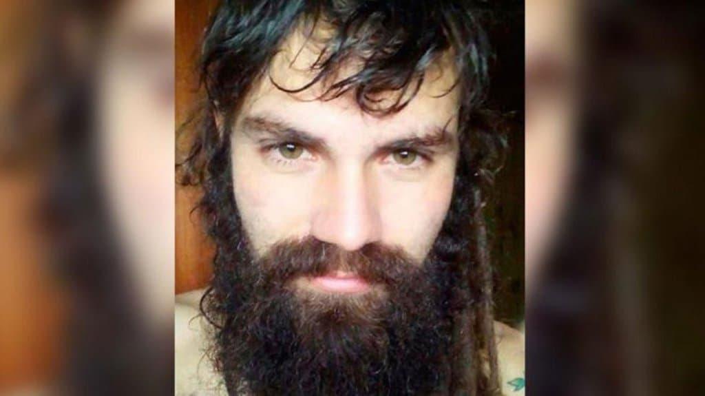 """28-годишният Сантяго Малдонадо """"изчезва безследно"""" на 1 август, докато участва в протест на индианската общност мапуче, разгонен от жандармерията. Снимка: Resumen Latinoamericano"""
