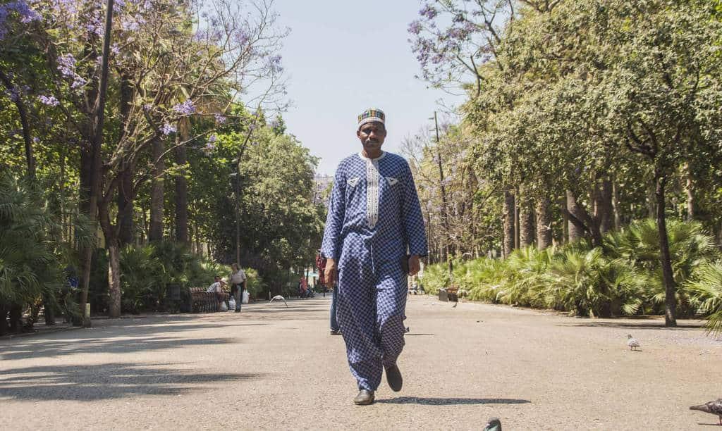 Черно Амаду Булама, правозащитник от Нигер, по време на гостуването му в Барселона. Снимка: El Pais