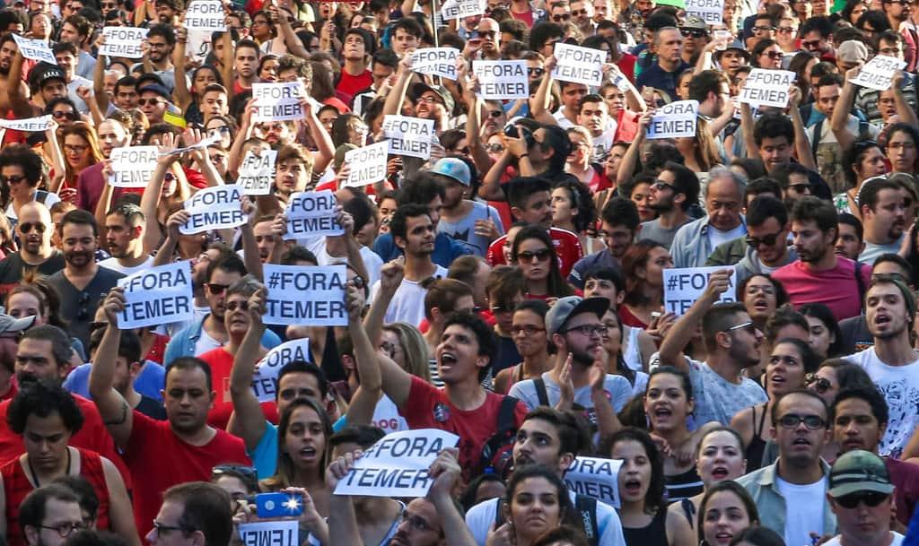 """Масовите демонстрации с рефрена """"Fora Temer"""" (""""Вън, Темер"""") заливат Бразилия още от встъпването в длъжност на сегашния президент. Снимка: pt.org.br"""