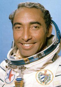 Така изглежда Арналдо Тамайо Мендес, когато лети в Космоса през 1980 г.