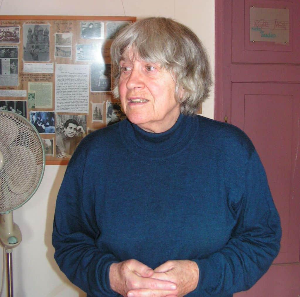 """Джоан Хара през 2005 г. в сградата на Фондация """"Виктор Хара"""" в Сантяго. Снимка: Къдринка Къдринова"""