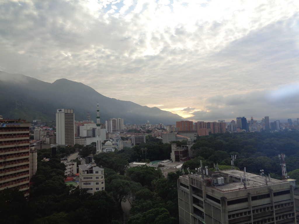 Панорама на Каракас от 14-ия етаж на хотела ми. Снимка: Къдринка Къдринова