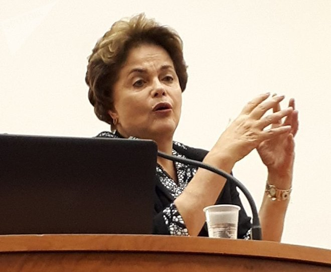 Дилма Русеф по време на лекцията си в Руския университет за дружба между народите. Снимка: Sputnik