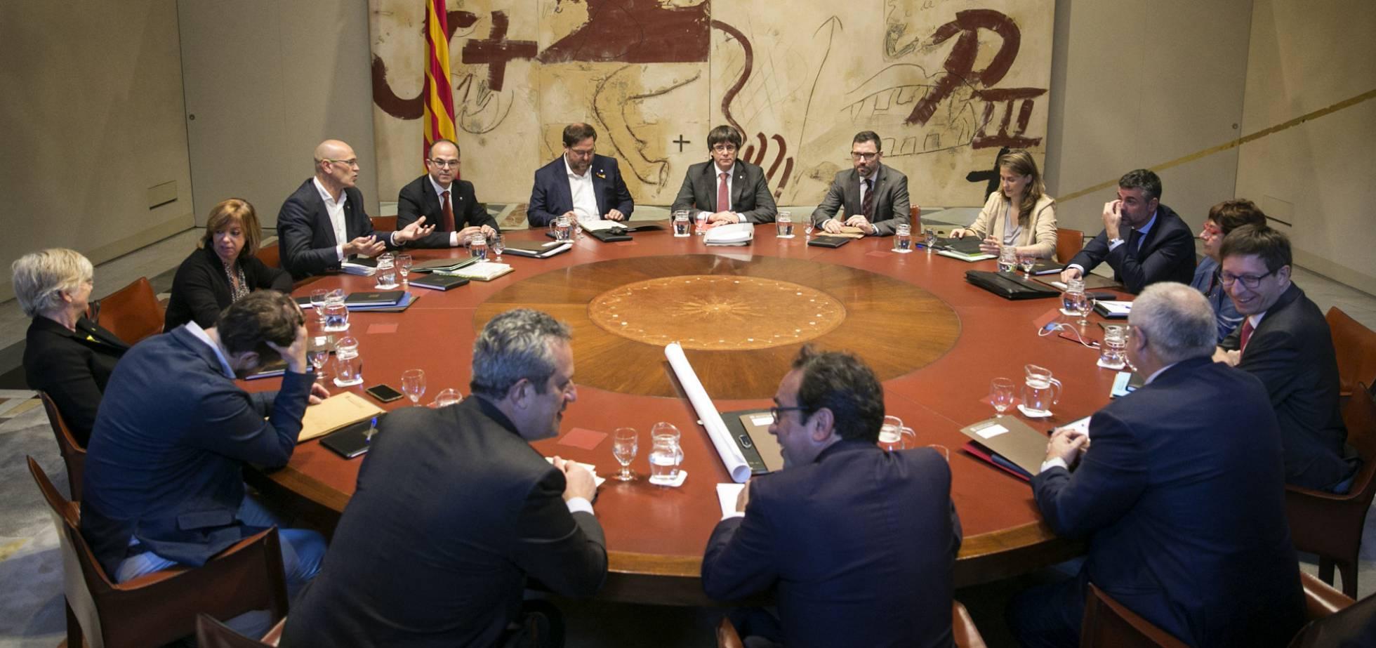 Заседание на каталунското автономно правителство. Снимка: El Pais