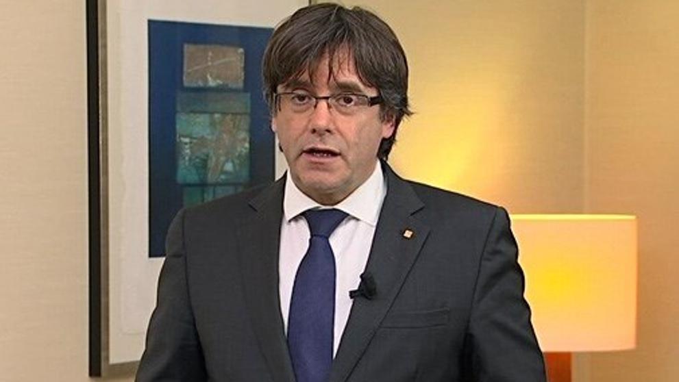 Карлес Пучдемон по време на изявлението си от Брюксел. Снимка: La Vanguardia