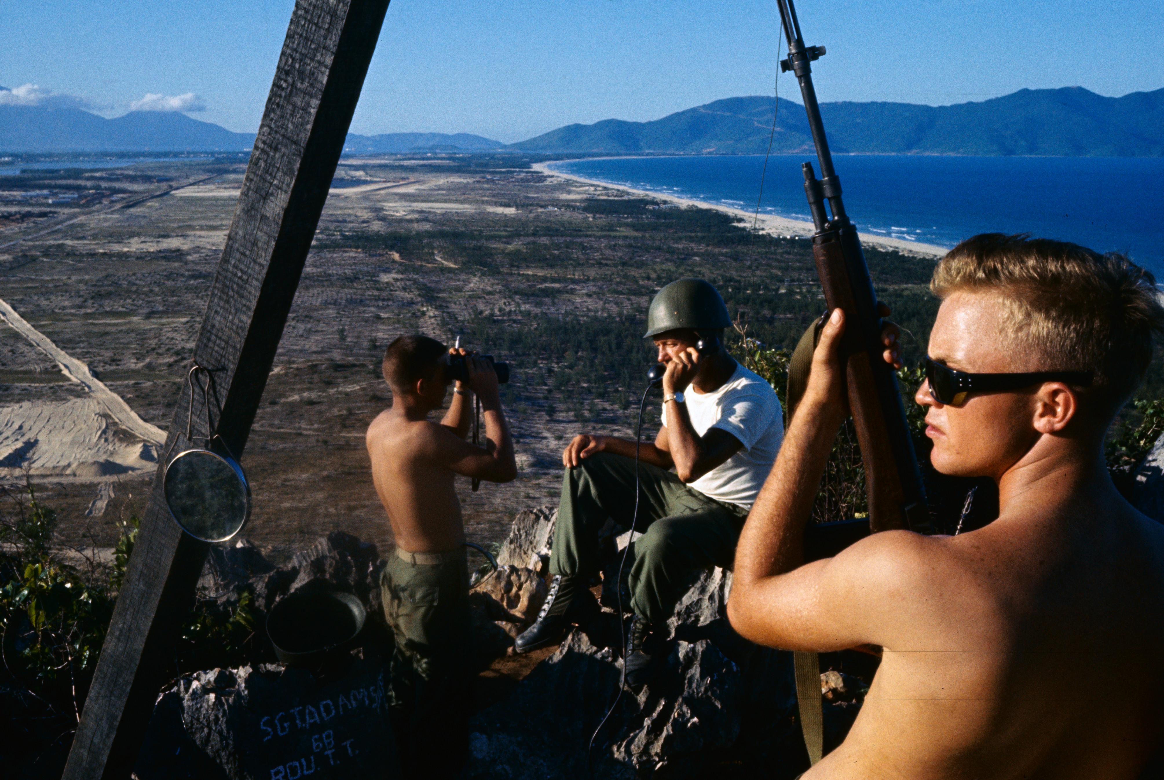 Ето как е изглеждало същото място през 1965 г., по време на Виетнамската война, когато тук са се разполагали американски войници