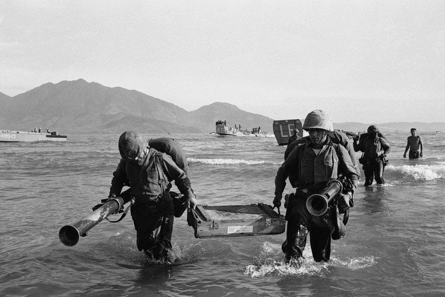 Момент от американския десант през 1965 г. на същия прочут днес плаж на Да Нанг