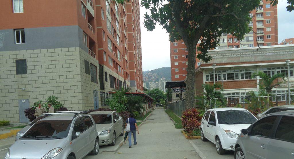 """Построените от Китай блокове във """"Фуерте Тюна"""" са в тухлен цвят. Снимка: Къдринка Къдринова"""