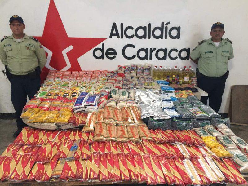 Полицията често разкрива и показва намереното в тайни складове с укрити продукти