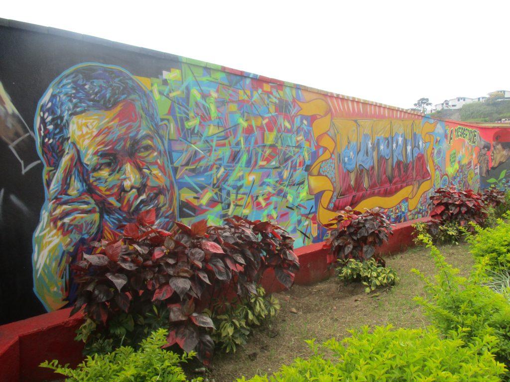 """Графити с """"вечния команданте"""" украсяват много стени в града. Снимка: Къдринка Къдринова"""