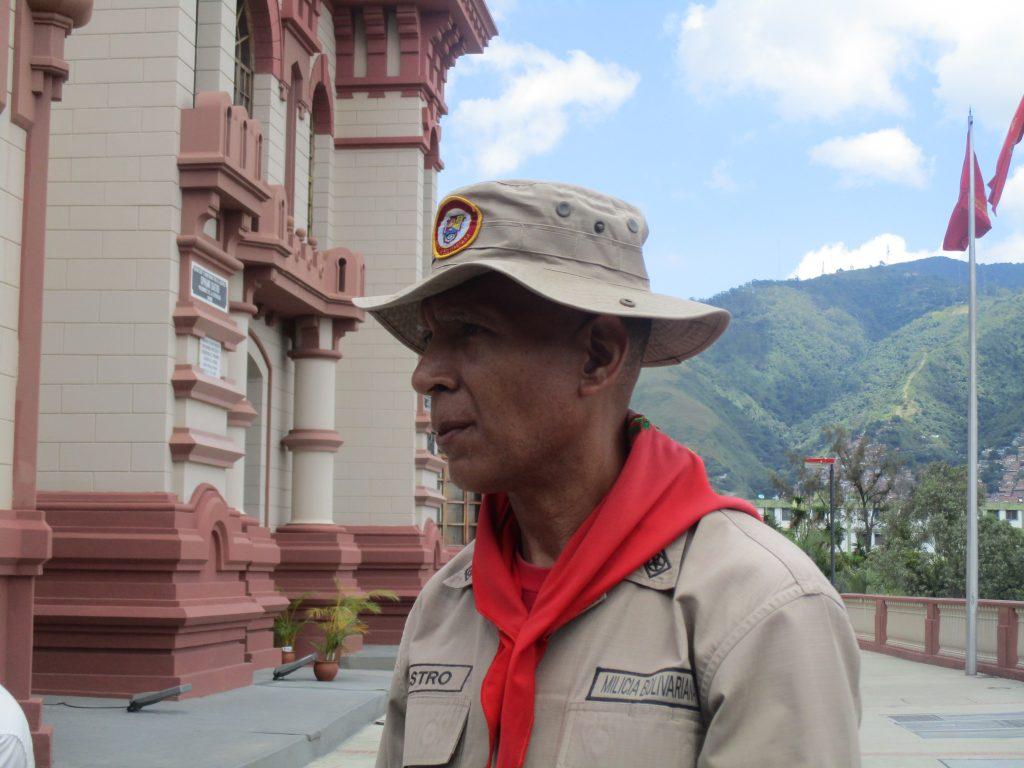 Полковник Роберто Кастро. Снимка: Къдринка Къдринова