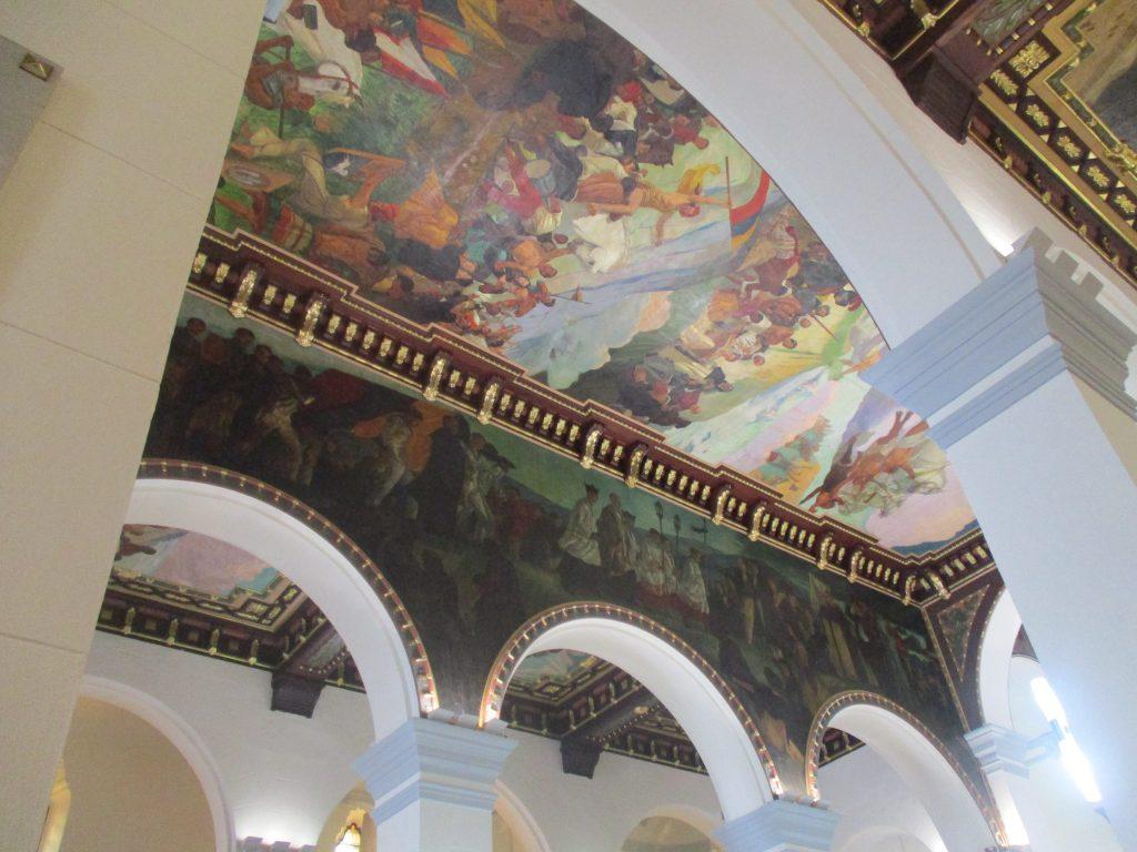 Сводовете са изрисувани със стенописи, изобразяващи сцени от националната история. Снимка: Къдринка Къдринова