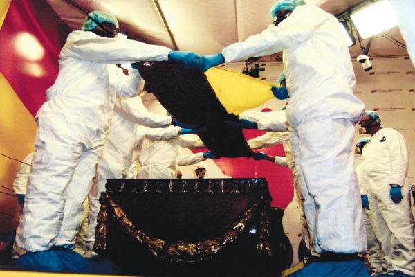През 2011 г. останките на Боливар са ексхумирани за експертиза.