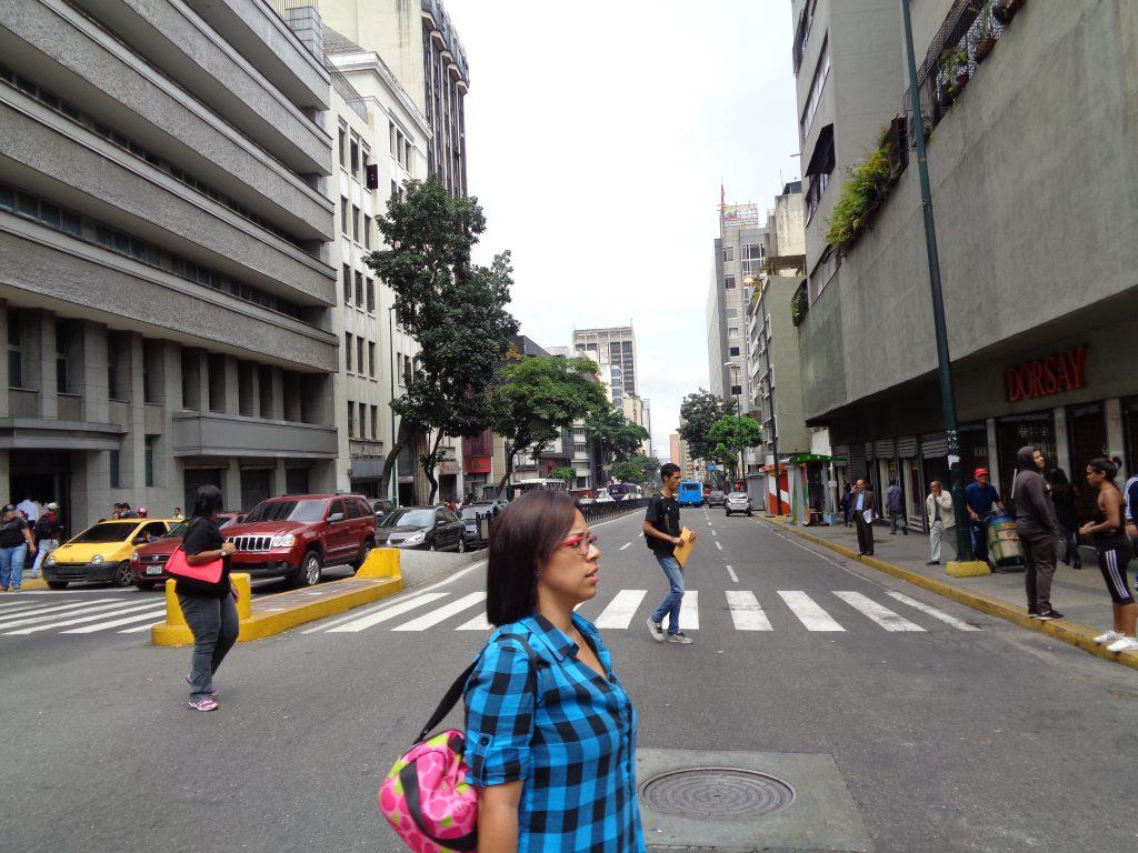 Край пешеходна пътека в Либертадор. Снимка: Къдринка Къдринова