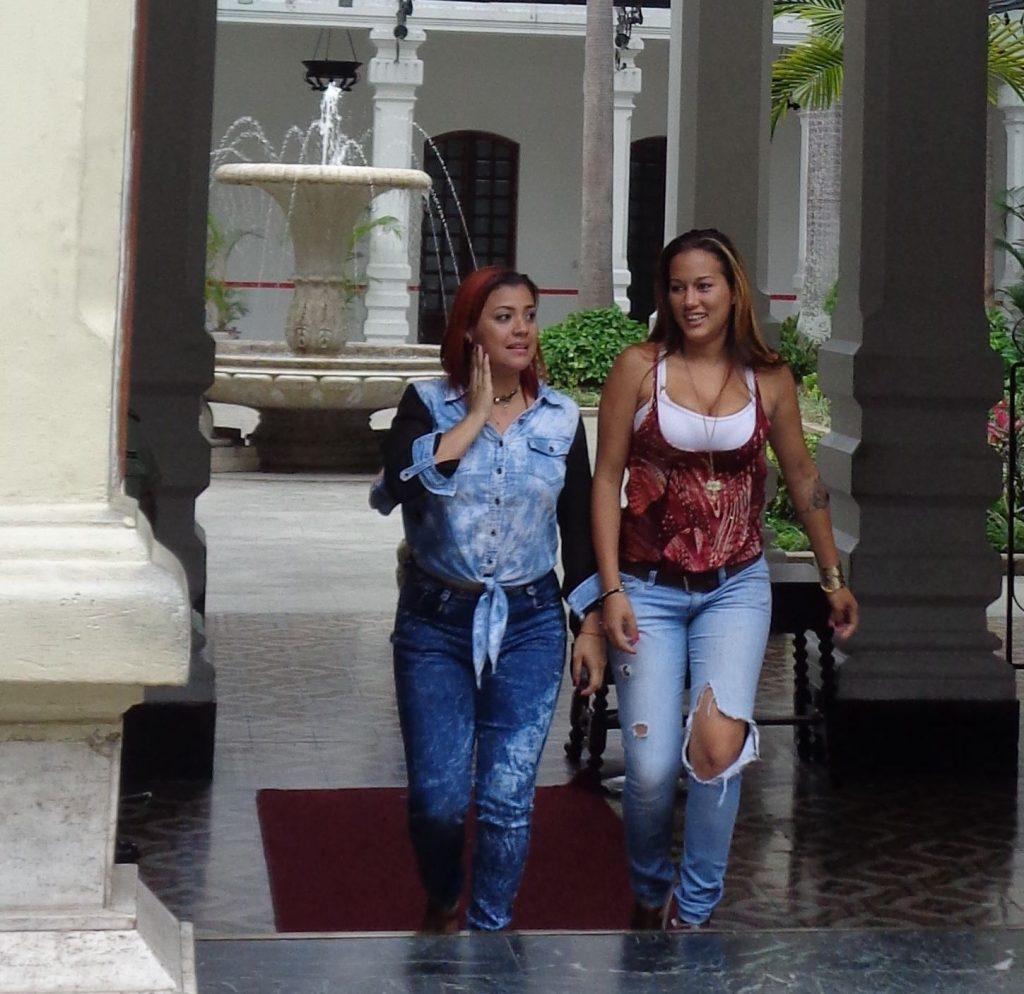 """Пословично чаровните момичета продължават да са една от """"запазените марки"""" на Венесуела. Снимка: Къдринка Къдринова"""