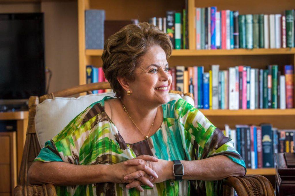 """Дилма Русеф по време на интервюто си за """"Ел Паис"""" в своя апартамент в Порто Алегре. Снимка: El Pais"""