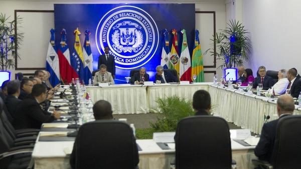 По време на диалога между венесуелското правителство и опозицията, състоял се между 11 и 14 февруари в Доминиканската република с посреднитечството на бившия испански премиер Хосе Луис Родригес Сапатеро. Снимка: infobae