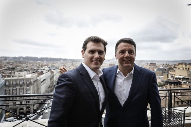 Алберт Ривера отскочи миналия месец до Рим да обядва с Матео Ренци и да лансира паневропейска листа, независимо от националности и партии. Снимка: El Diario