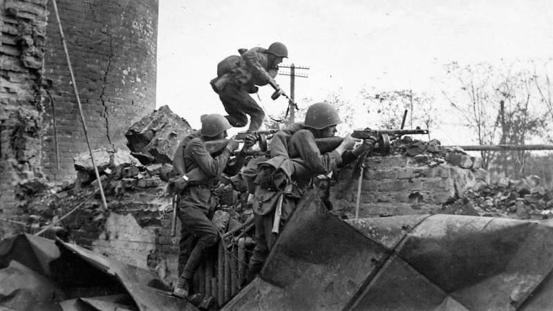 Защитници на Сталинград. Снимка: РИА