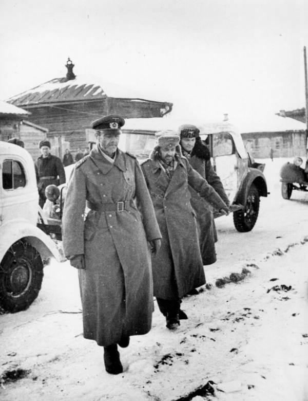 На 31 януари 1943 г. фелдмаршал Фридрих Паулус начело на своя щаб се предава в плен. Снимка: РИА