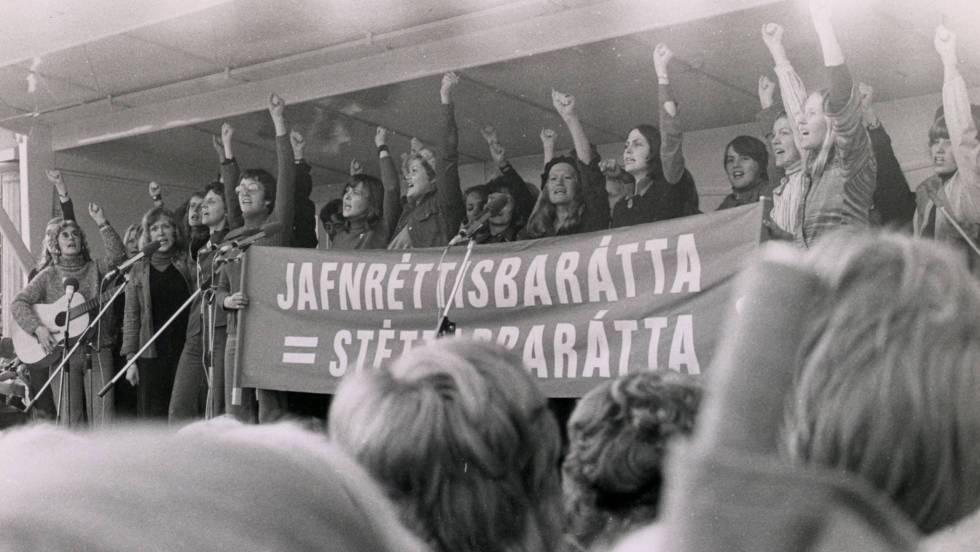 Момент от легендарната стачка на жените в Исланзия на 24 октомври 1975 г. Снимка: El Pais