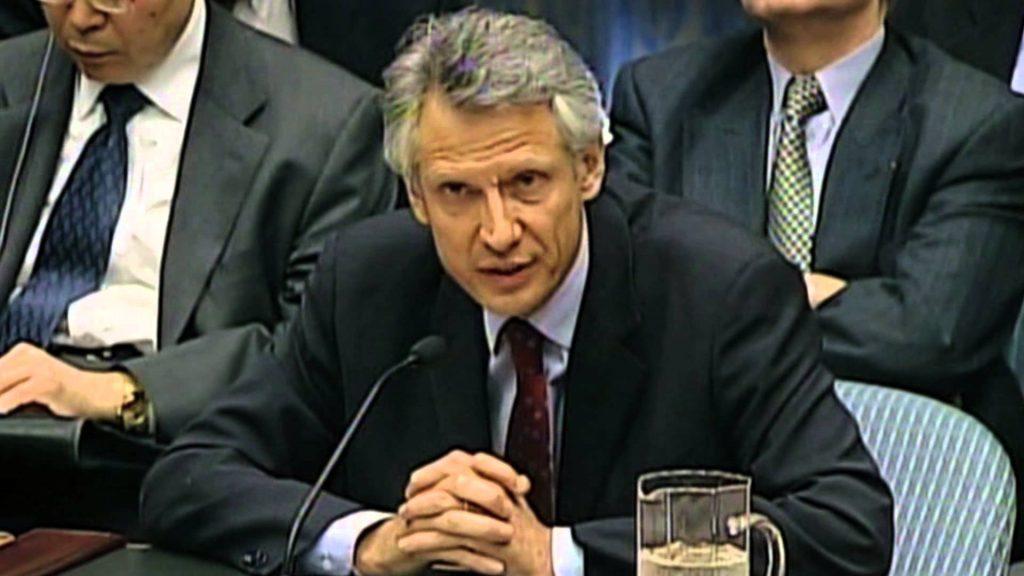 Доминик дьо Вилпен по време на речта си в Съвета за сигурност на 14 февруари 2003 г. против задаващата се война в Ирак. Снимка: YouTube