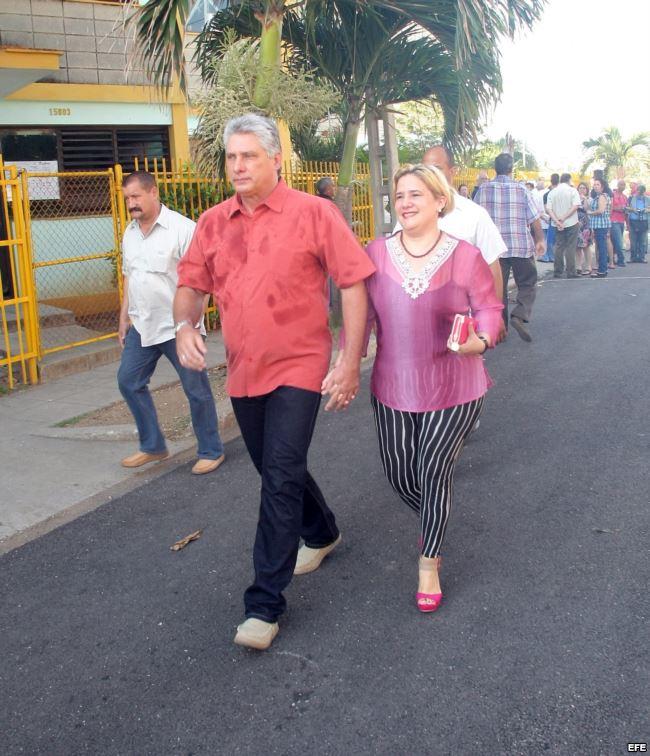 Мигел Диас-Канел с втората си съпруга Лис Куеста Пераса. Снимка: cubaninsider