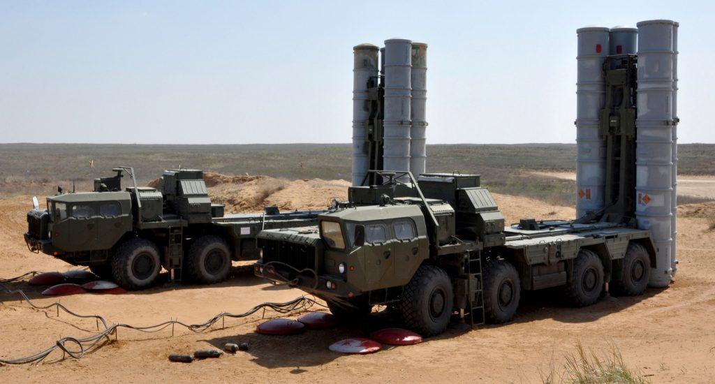 Руският зенитно-ракетен комплекс С-300. Снимка: MilitryArms