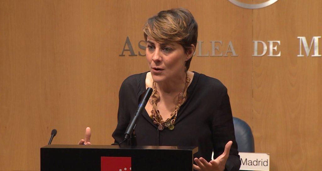 """Лорена Руис-Уерта от """"Подемос"""" в градския парламент на Мадрид. Снимка: El Pais"""