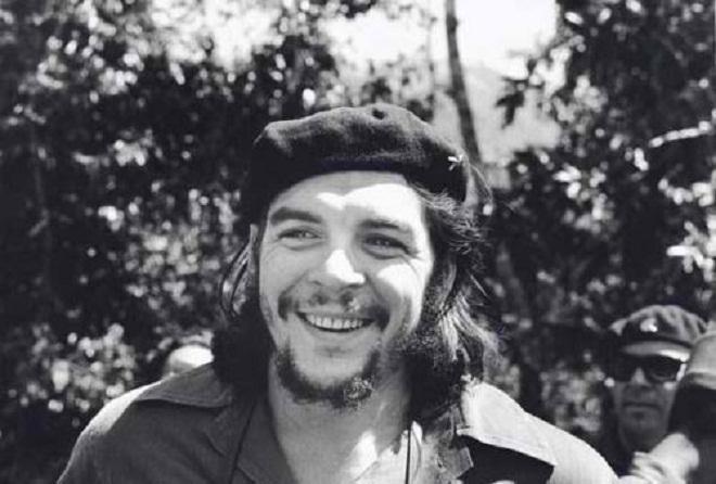 Ернесто Че Гевара по време на Кубинската революция. Снимка: Centro de Estudios de Che Guevara