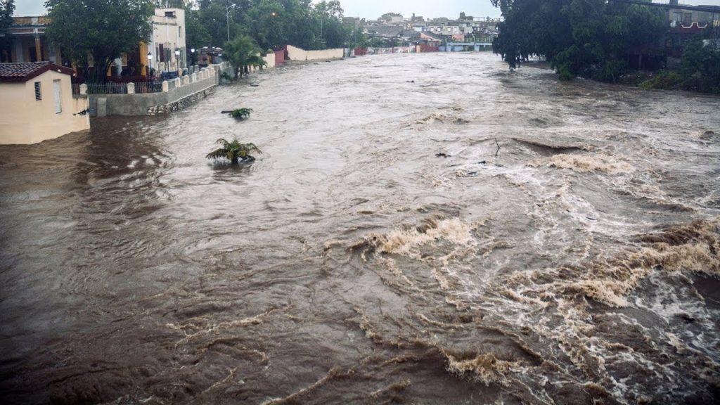 """Река Сагуа Ла Гранде преля по време на бурята """"Алберто"""" в края на май и началото на юни. Снимка: YouTube"""