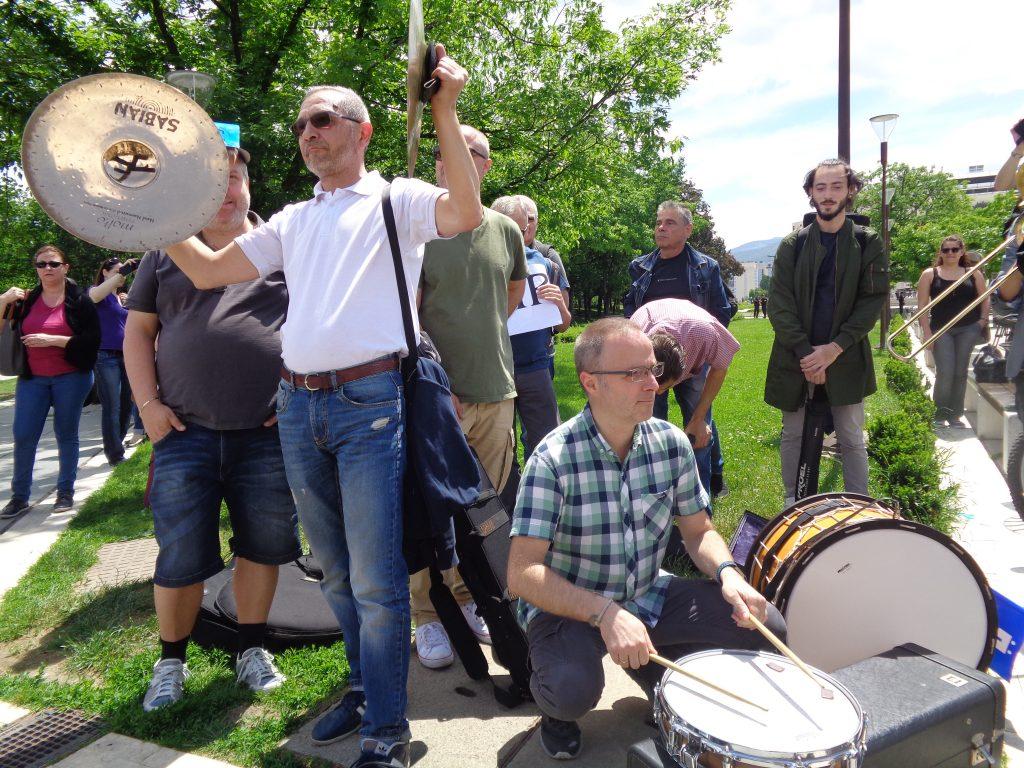 Музикантите от БНР вече многократно протестираха публично за унизително ниските си заплати. Снимка: Къдринка Къдринова