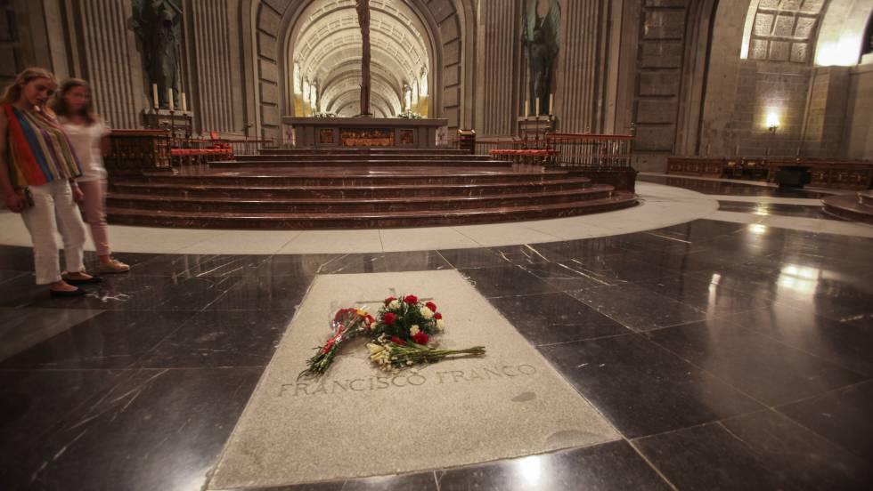 Грабът на Франко в базиликата в Долината на падналите. Снимка: El Pais