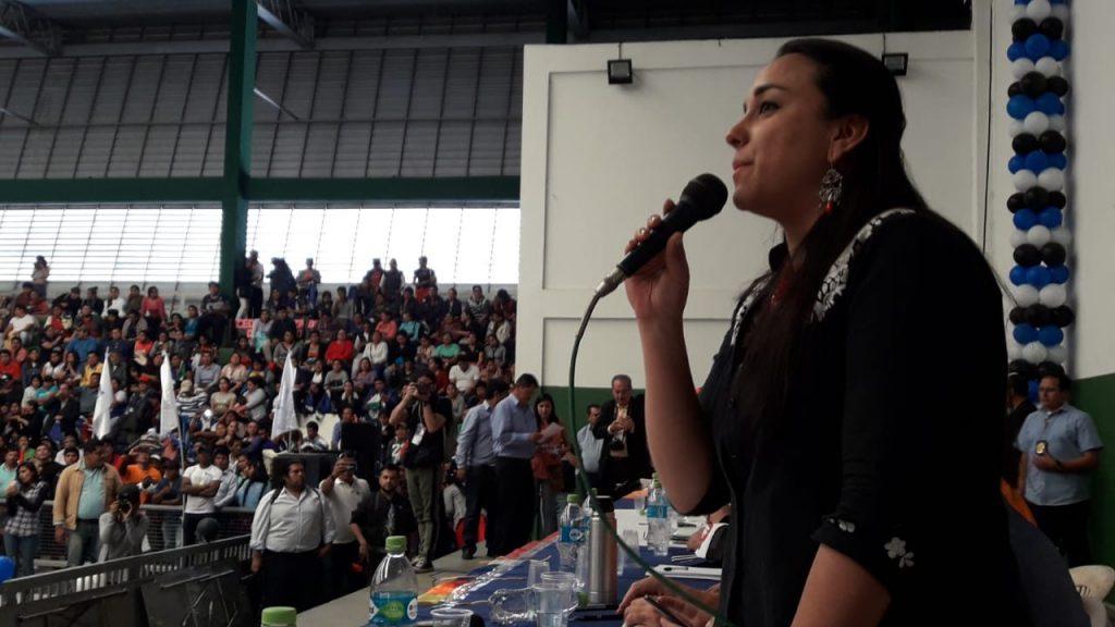 """По време на форума """"Латинска Америка в дебати"""" в боливийския град Санта Крус. Снимка: Resumen Latinoamericano"""