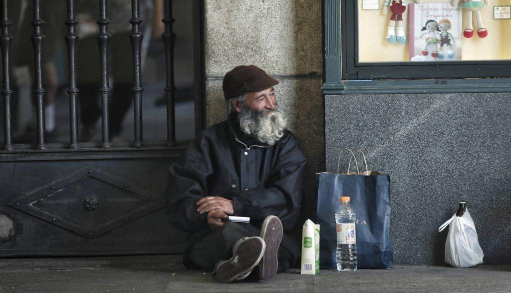 """Още един бездомник от района на """"Пласа Майор"""". Снимка: El Pais"""