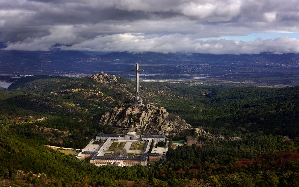 Общ изглед към Долината на падналите. Снимка: Уикипедия