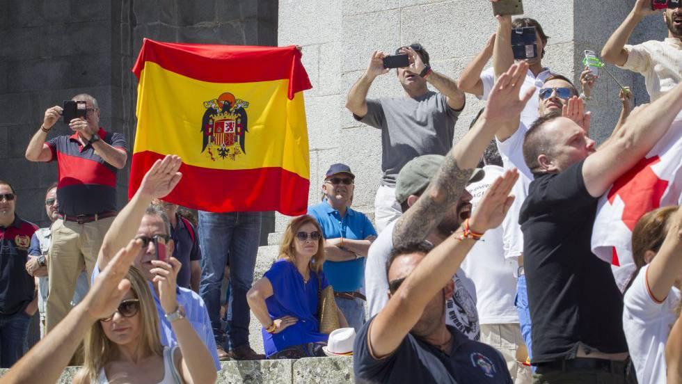 Пламенни франкисти демонстрираха в средата на юли в Долината на падналите в защита на любимия си генералисимус. Снимка: El Pais