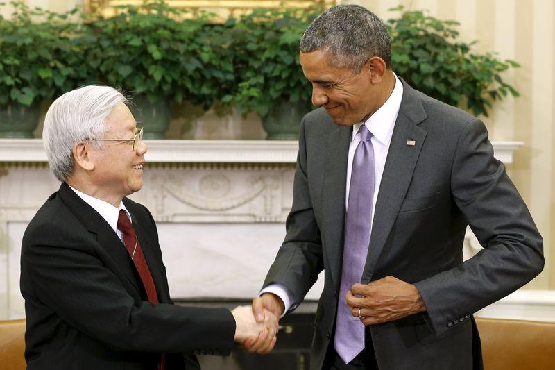 Кадър от историческата среща в Белия дом през 2015 г. между президента на САЩ Барака Обама и генералния секретар на ВКП Нгуен Фу Чонг. Снимка: Asia Times