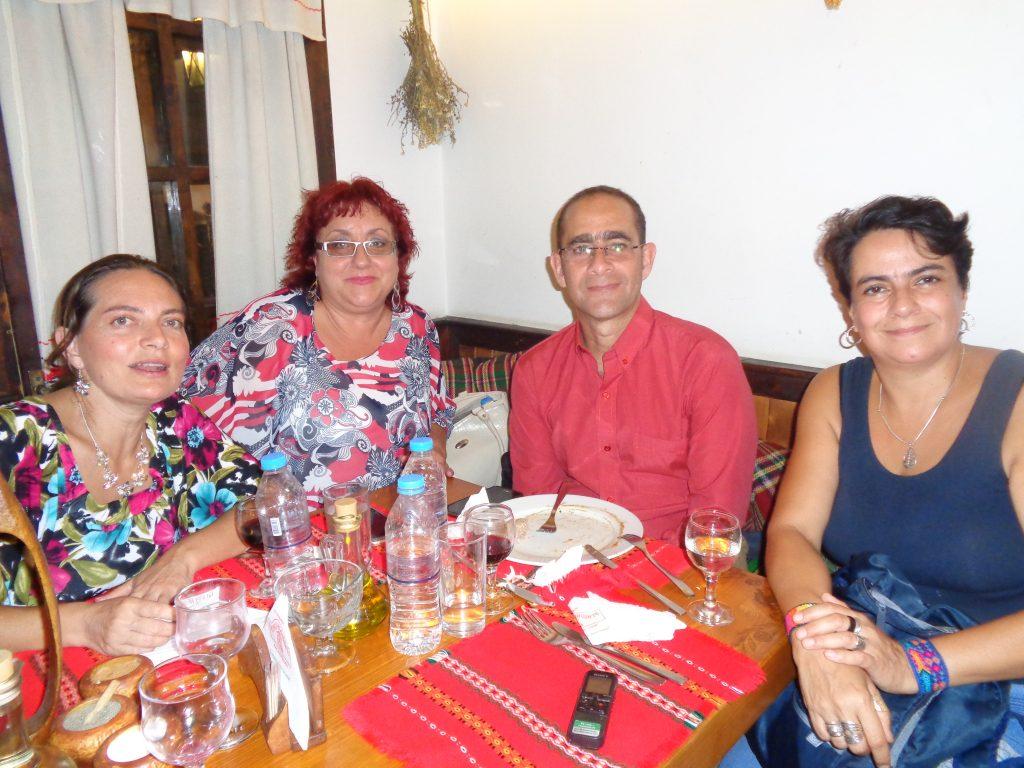 Отляво надясно: Колумбийката Лус Мирея Касто, българката Клара, кубинецът Еди Гарсия и колумбийката Мария Сепеда. Снимка: Къдринка Къдринова
