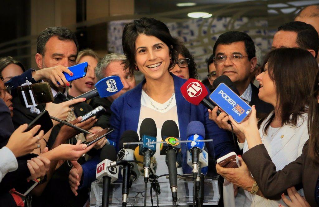 Мануела д'Авила е известна със своята активна правозащитна дейност и със законопроектите си за подобряване на положението на младежта. Снимка: Уикипедия