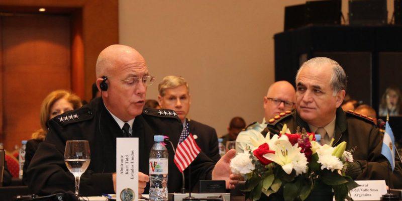 Шефът на Южното командване на САЩ Курт Тайд участва наскоро в регионална армейска конференция в Аржентина. Снимка: DEF