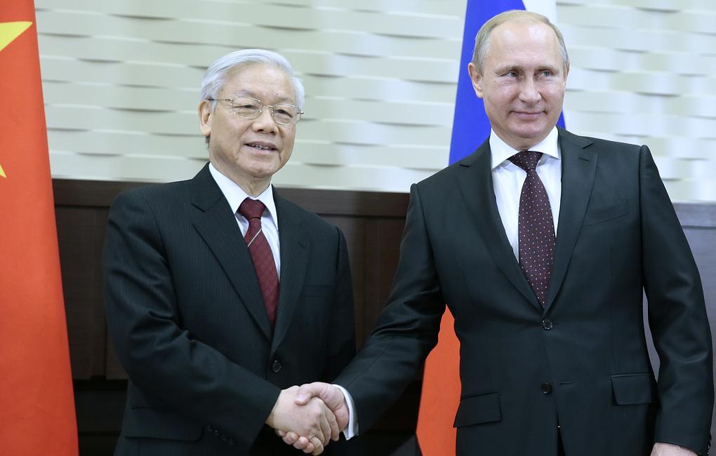 Нгуен Фу Чонг и Владимир Путин при предишната им среща през 2014 г. Снимка: ТАСС