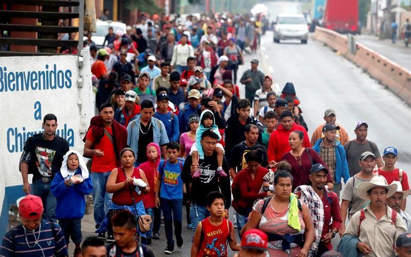 Хондураската колона прекосява границата на Гватемала. Снимка: Фейсбук