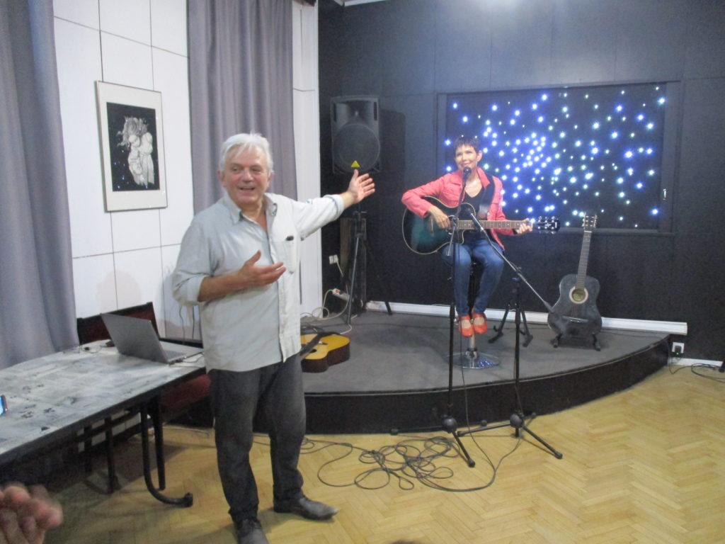 Ивайло Диманов представя Роси Рос. Снимка: Къдринка Къдринова